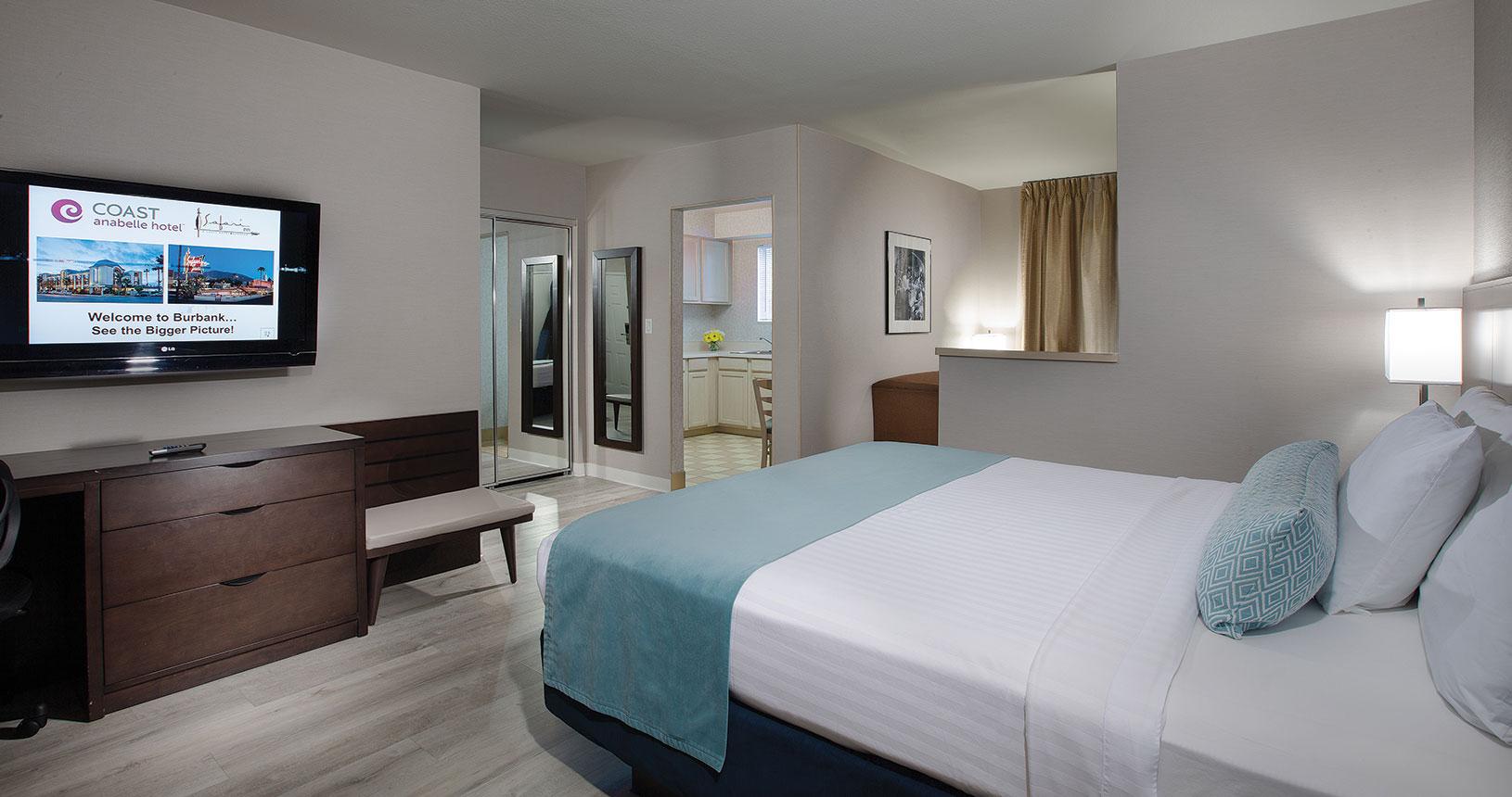 Safari Inn Burbank CA Coast Premium King Mini Suite