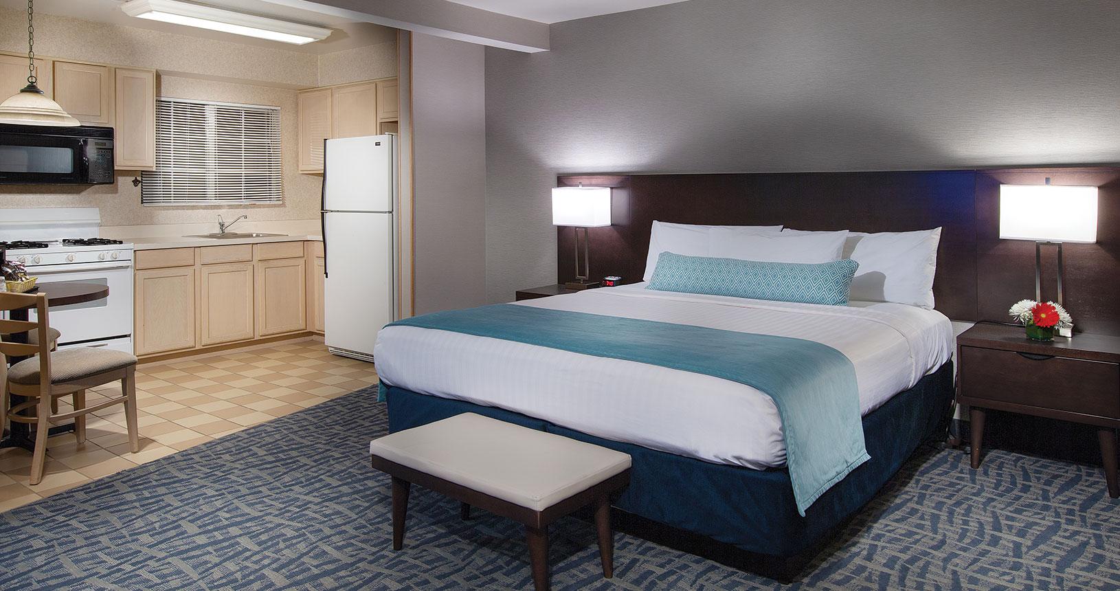 Safari Inn Burbank CA Coast King Junior Suite