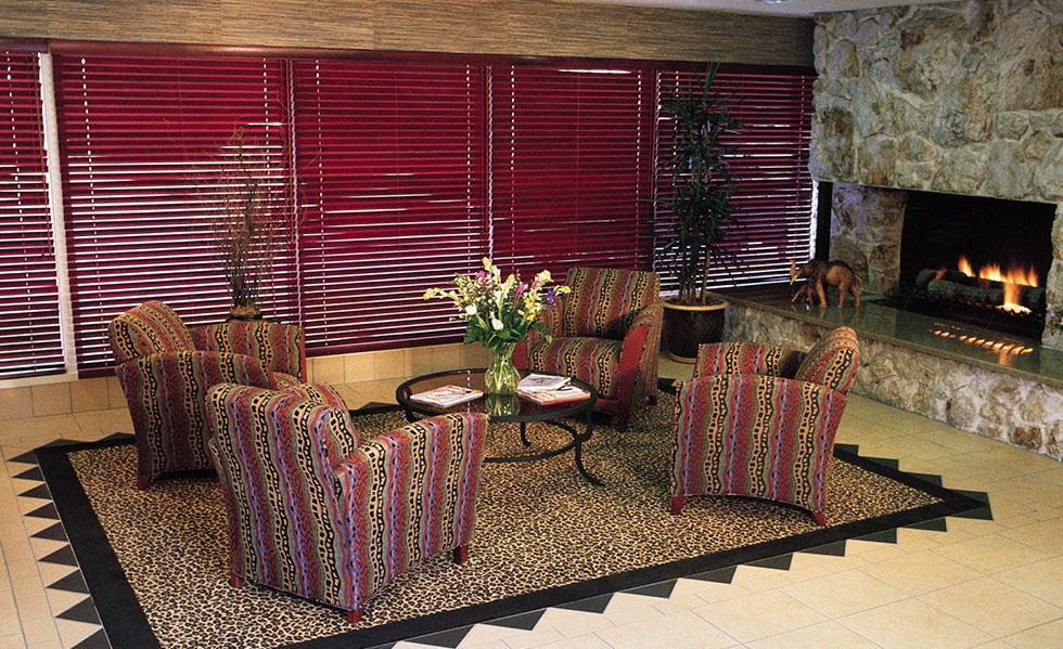 Safari Inn Burbank CA Accommodations Lobby