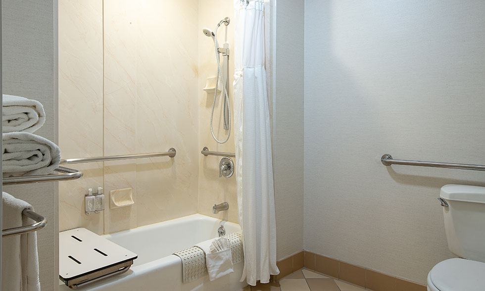 Safari Inn Burbank CA Accommodations Coast King Bathroom