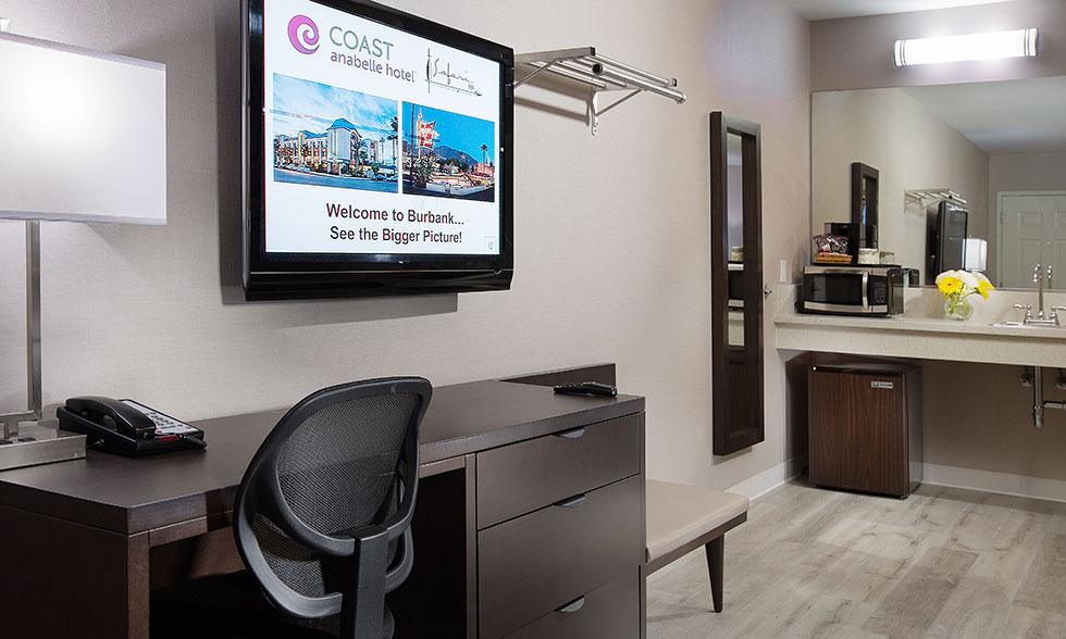 Safari Inn Burbank CA Accommodations Coast Premium King Mini Suite