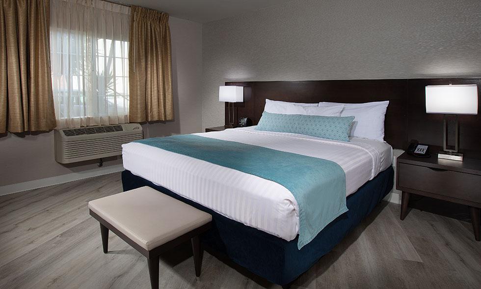 Safari Inn Burbank CA Accommodations Coast Premium King Suite